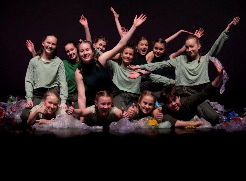 Till Greta, kor. M. Nevalainen, esiintyjät: nyky ek3, kuva: J. Tunkkari